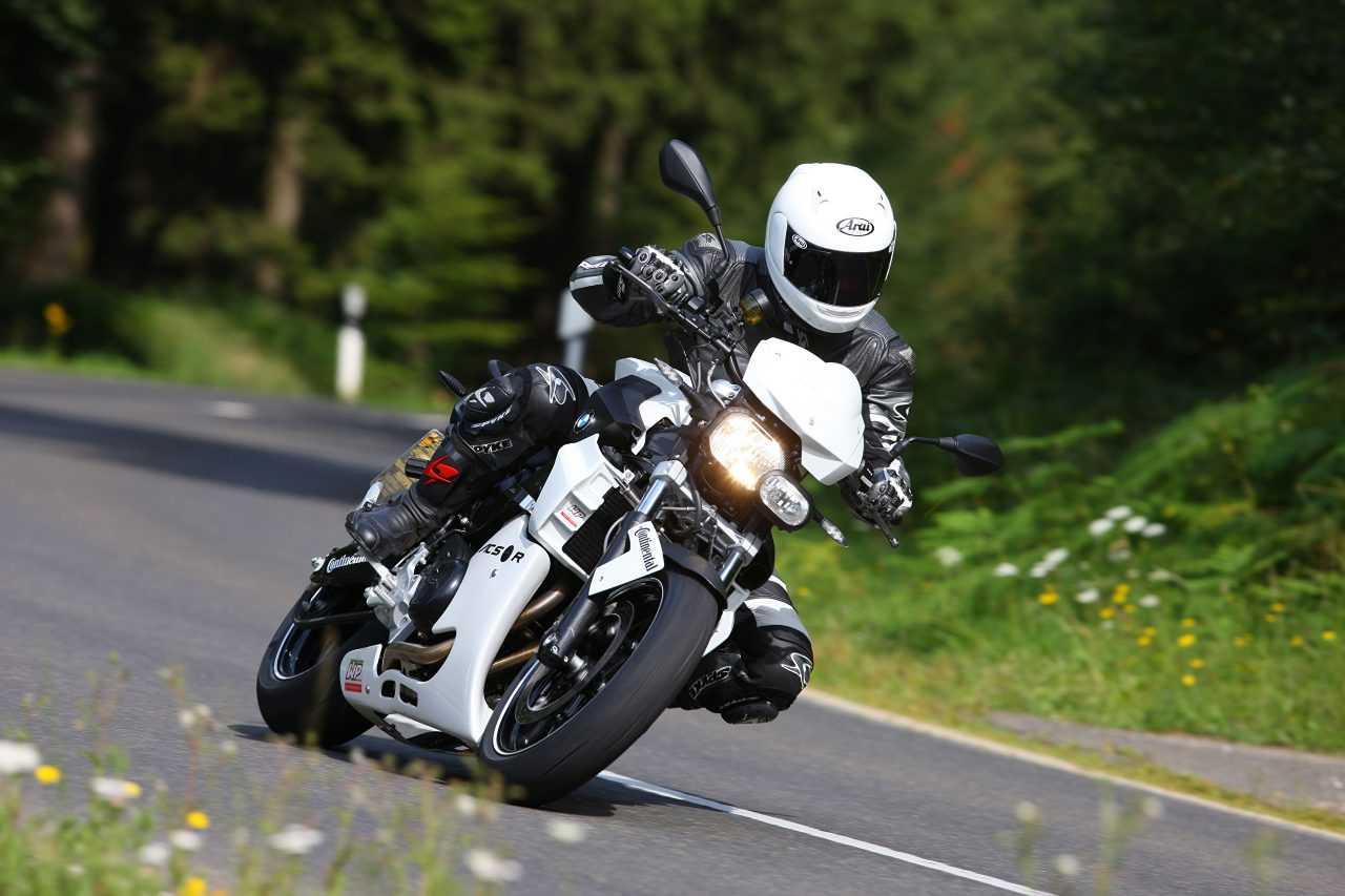 bmw_motorcycle_331354-1280x853.jpg