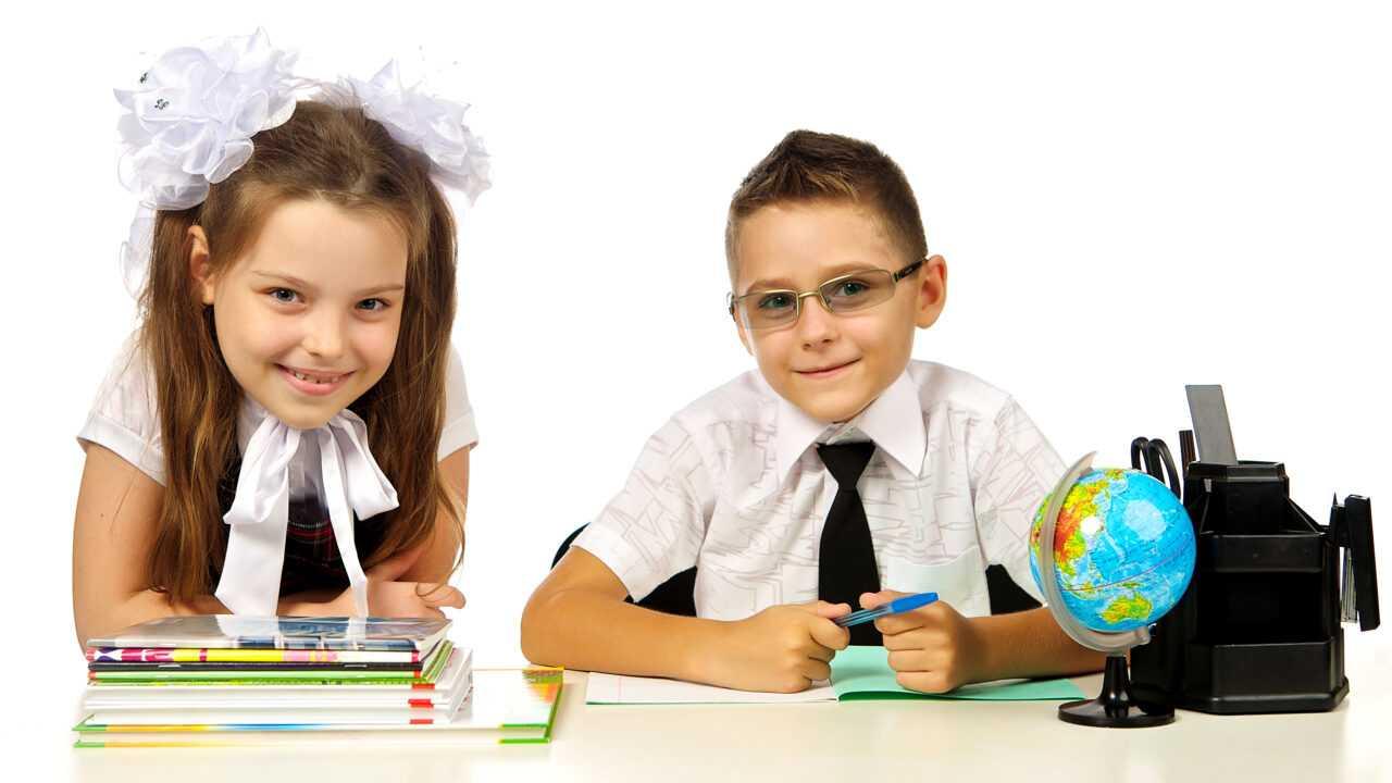 school_white_background_two_boys_little_girls_536559_3840x2160-1280x720.jpg