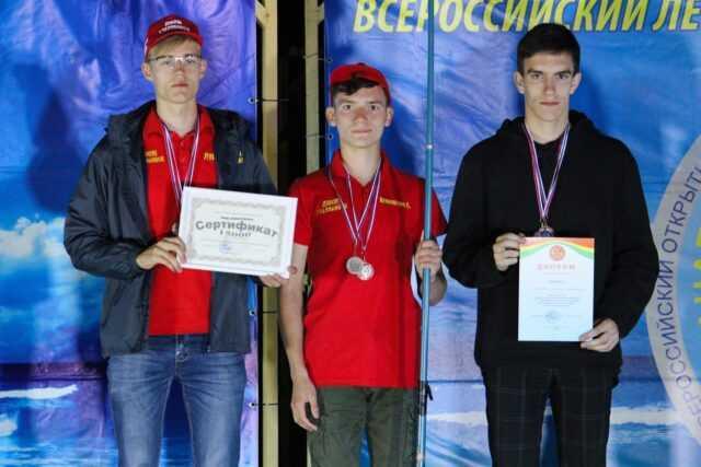 Команда юных автомобилистов Челябинской области стала серебряным призёром Всероссийских соревнований по автомногоборью